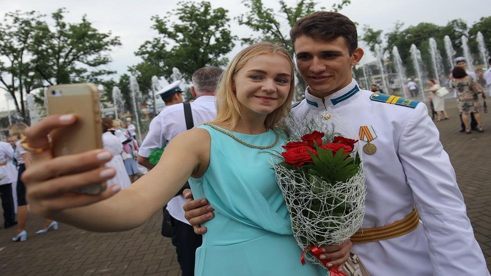السياح الروس يفضلون السيلفي على صور فوتوغرافية أخرى