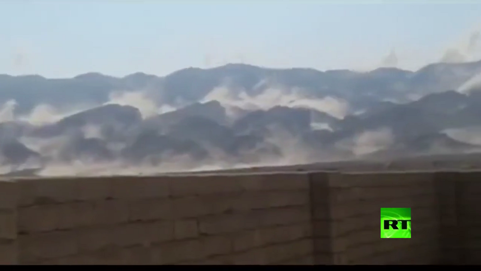 انهيارات جبلية إثر زلزال جنوب إيران
