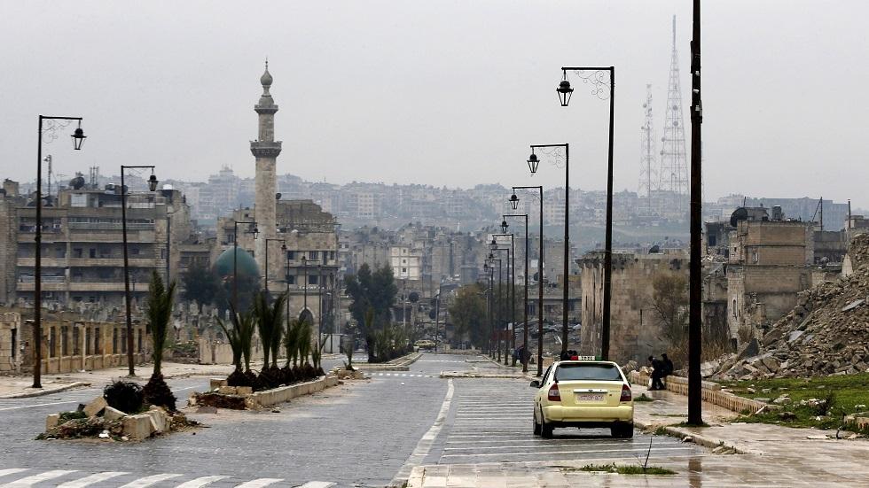 مقتل شخص وإصابة آخرين في استهداف أحياء حلب السورية بالقذائف