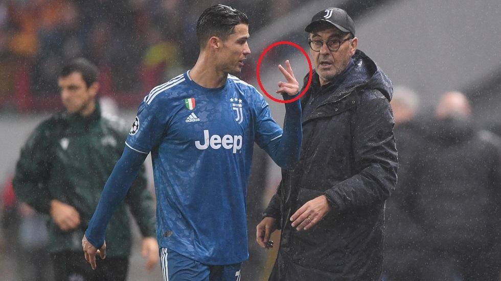 رونالدو يرفض مصافحة المدرب بعد تبديله.. وساري يفسر غضب