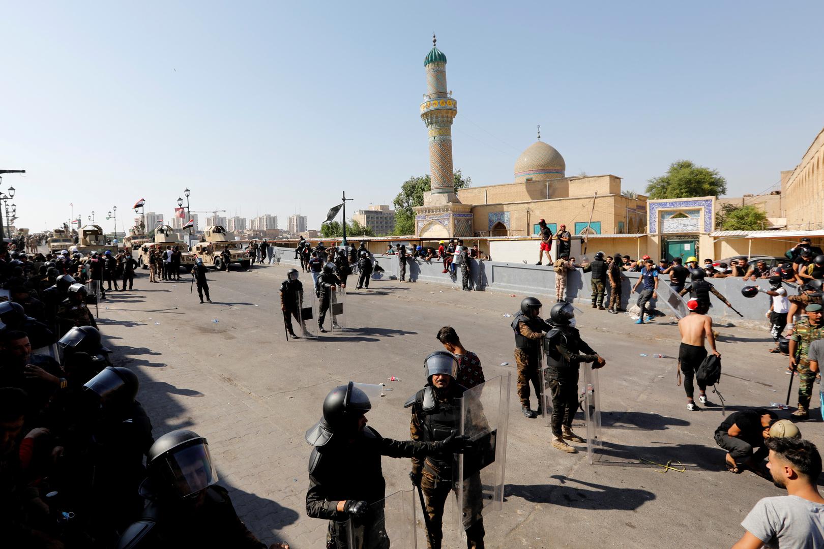 مراسلنا: الأمن العراقي يستخدم الرصاص الحي ضد المتظاهرين في شارع الرشيد