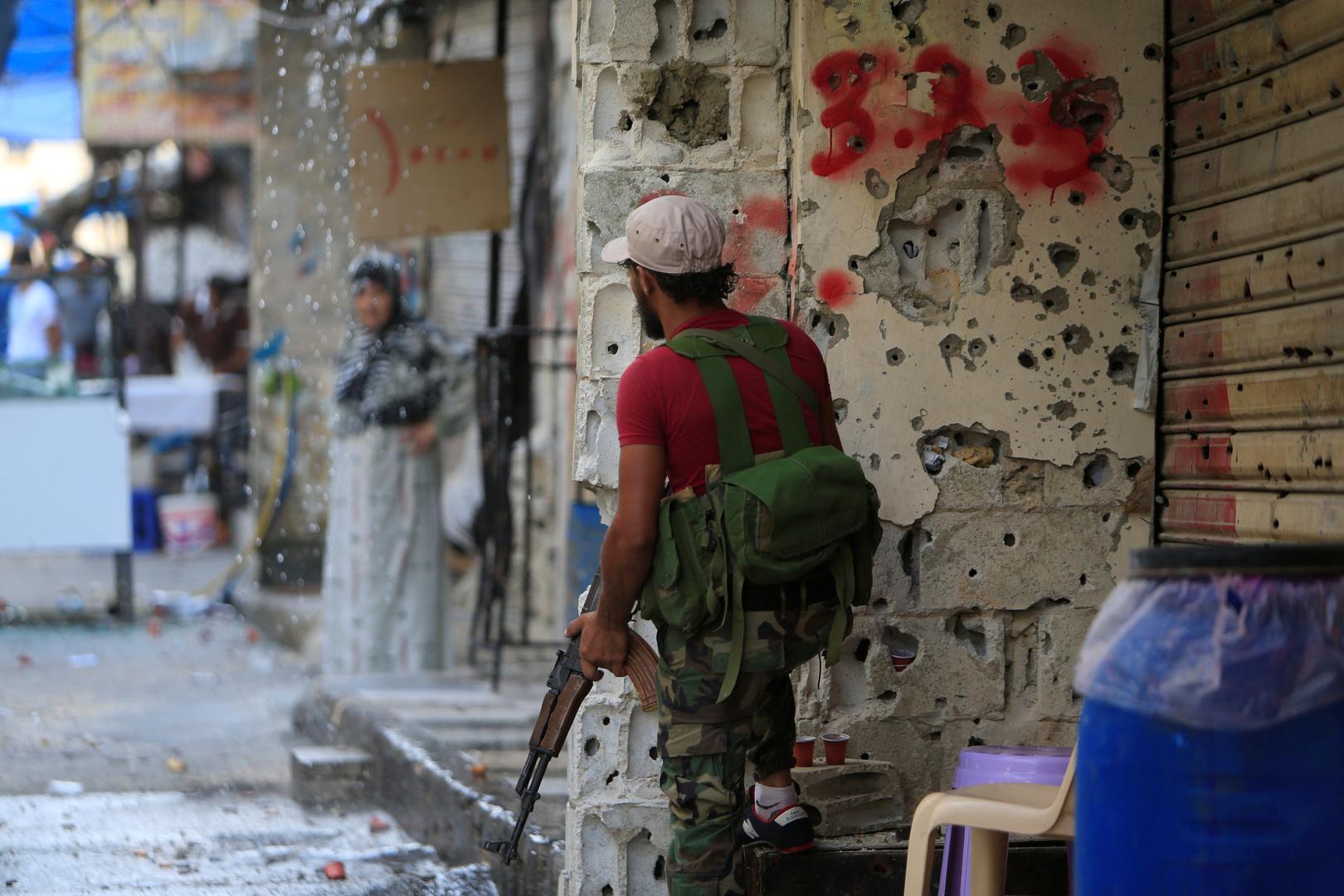 مسلح في مخيم عين الحلوة جنوب لبنان