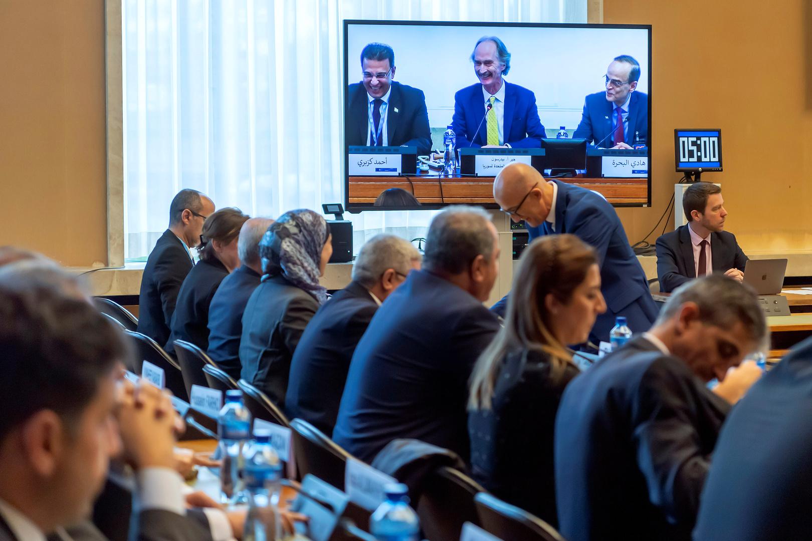 رئيس الوفد المدعوم من الحكومة السورية: دمشق لا تمانع وضع دستور جديد شرط حفظ الثوابت الوطنية