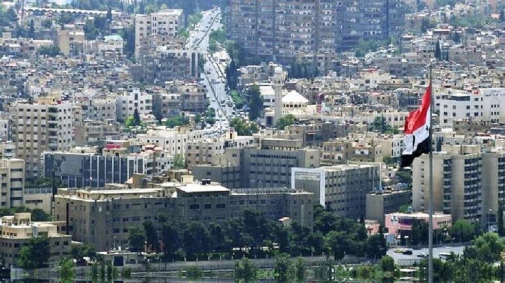 منحوتة على شجرة تثير ضجة في دمشق