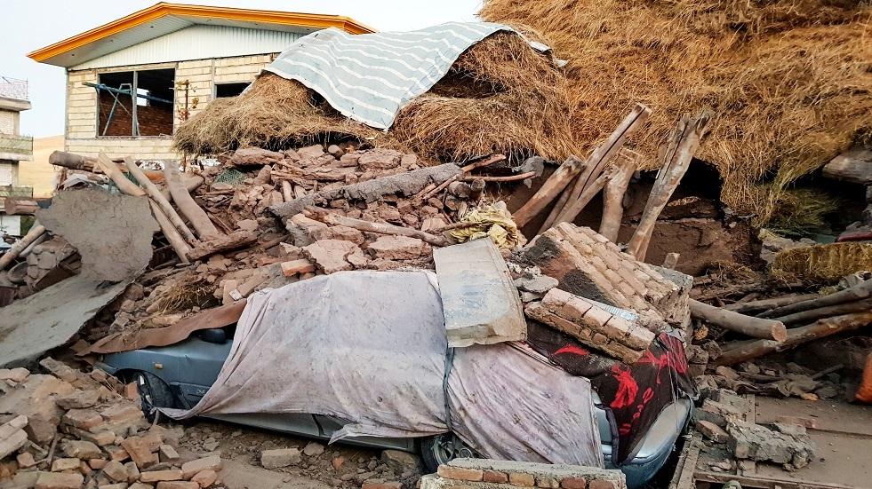 ارتفاع عدد المصابين جراء الزلزال المدمر الذي ضرب محافظة أذربيجان الشرقية لـ530 شخصا (فيديو)