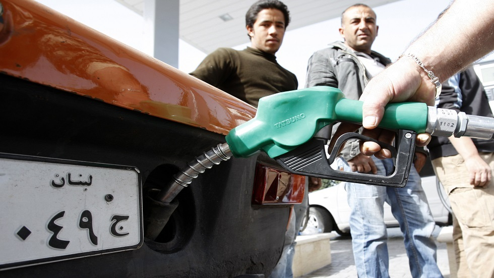 محطات وقود لبنان تغلق أبوابها متأثرة بأزمة الدولار