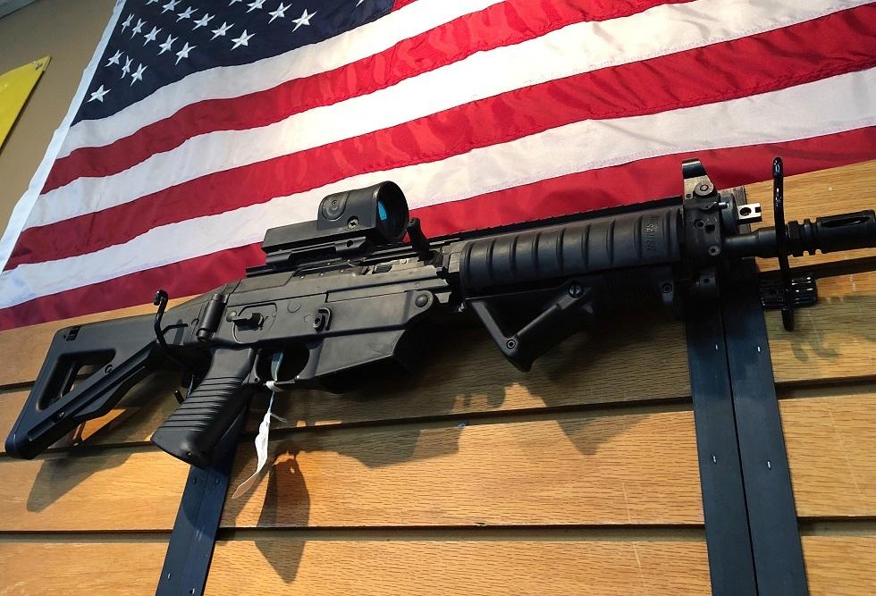 واشنطن تتهم طلابا سعوديين بتهريب مكونات أسلحة