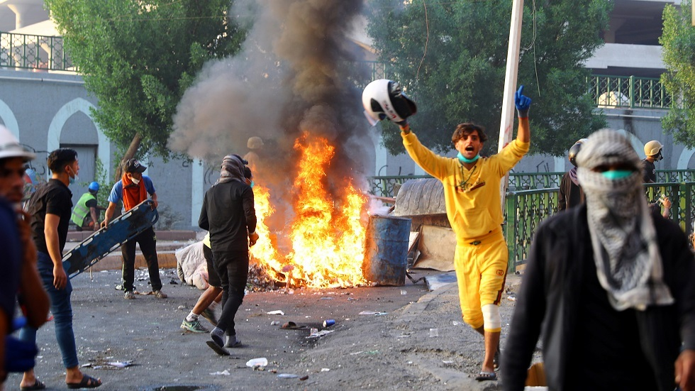 مراسلنا: مقتل 4 متظاهرين وجرح 105 آخرين في بغداد اليوم