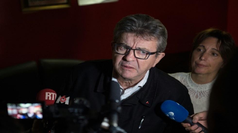 زعيم حزب فرنسا المتمردة اليساري جان لوك ميلانشون يتحدث إلى صحفيين في الجمعية الوطنية يوم 09 نوفمبر 2019