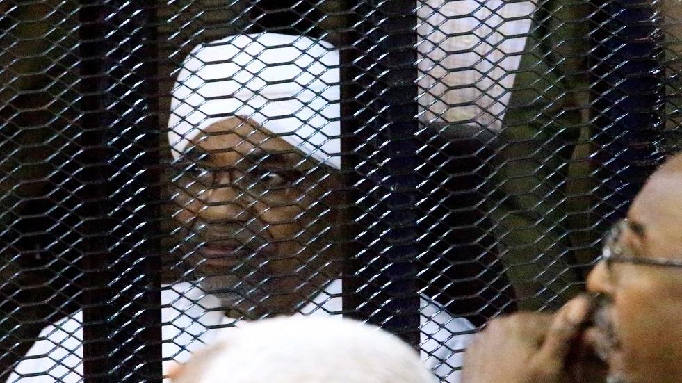 رئيس السودان المعزول عمر البشير خلال محاكمته بتهم فساد - أرشيف