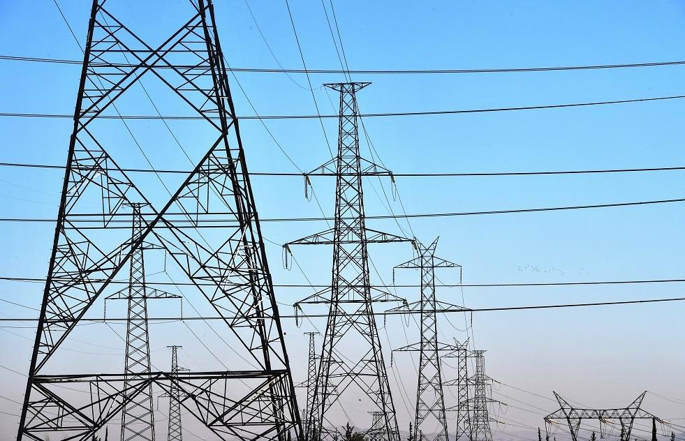 سياسي أوكراني: قررنا وقف شراء الكهرباء من روسيا