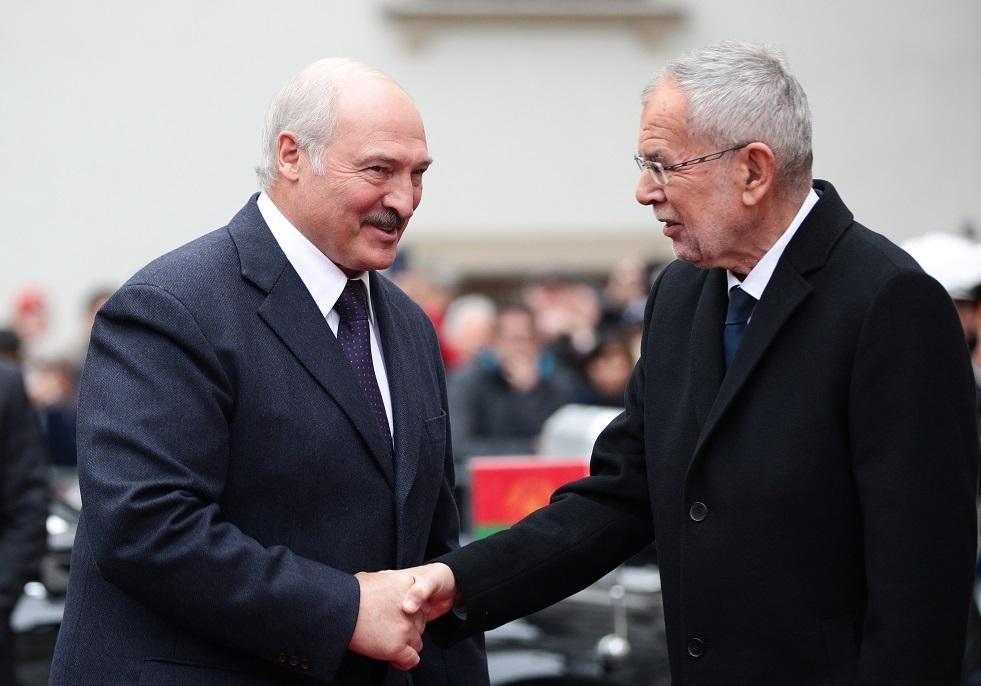 الرئيس النمساوي يوافق ماكرون على أن حلف الناتو
