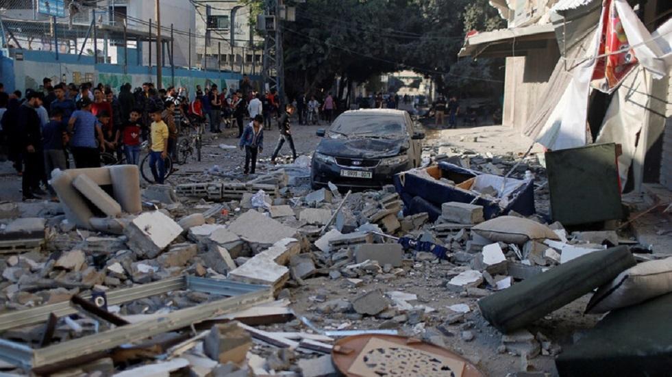 مخلفات الغارة الإسرائيلية على منزل بهاء أبو العطا في مدينة غزة