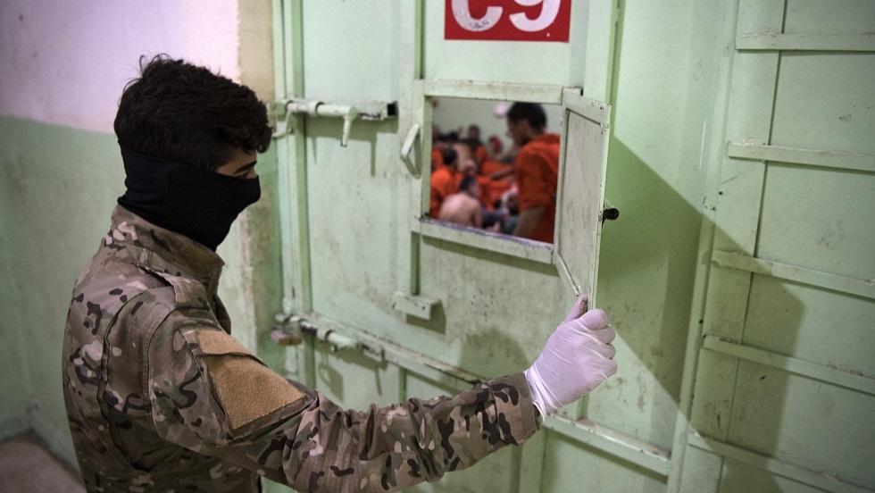 الخارجية الأمريكية: سجناء