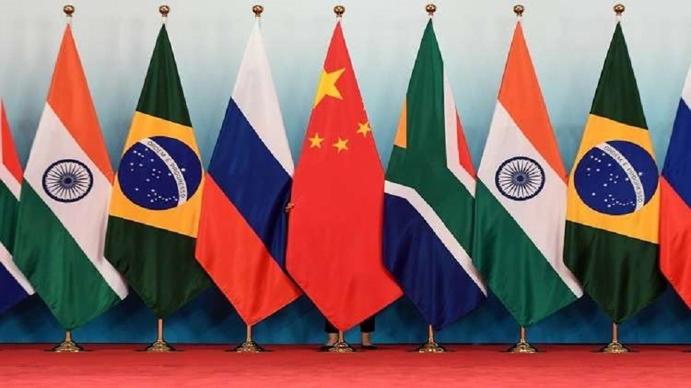تكتل عالمي يتفوق على G7