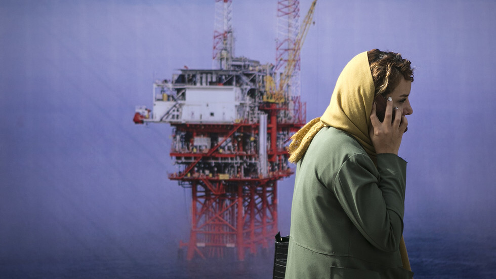 انخفاض أسعار النفط مع خيبة أمل المستثمرين