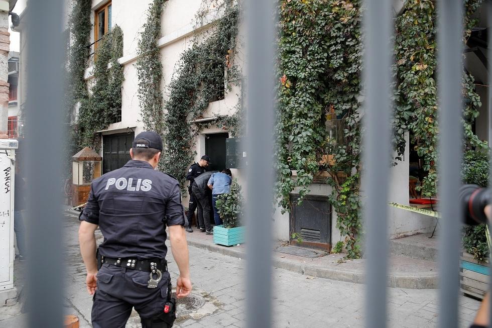 الشرطة التركية أمام منزل لو موسيرييه