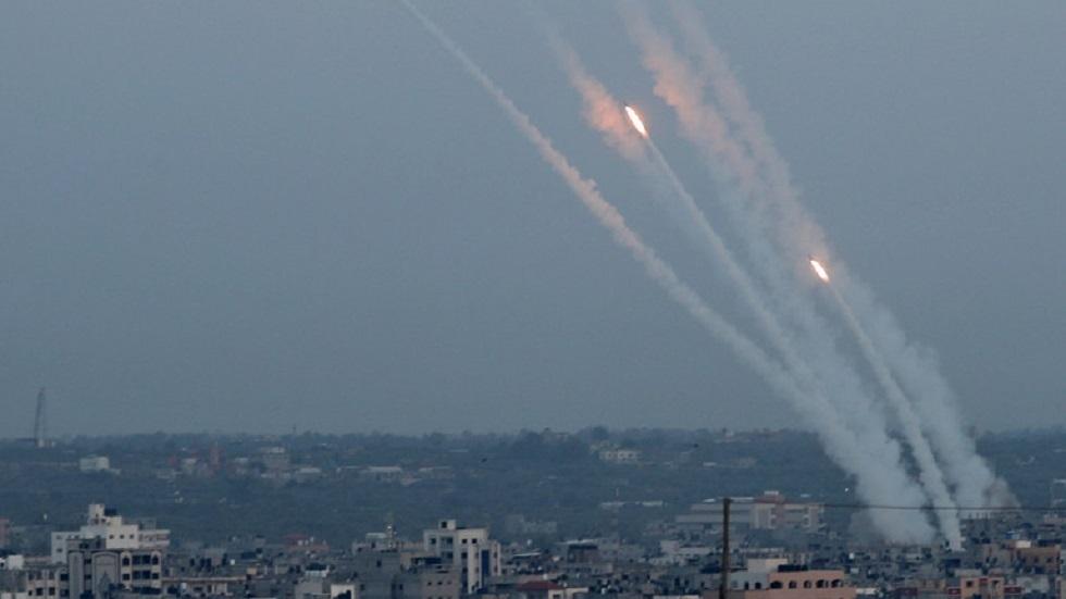 الأجنحة العسكرية للفصائل الفلسطينية تنفذ رشقات صاروخية مشتركة تجاه إسرائيل