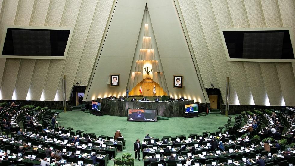 150 ألف رجل شرطة يتولون أمن الانتخابات البرلمانية الإيرانية