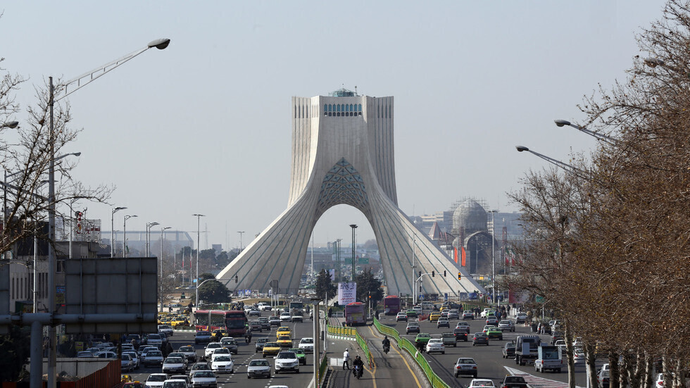 برج أزادي في طهران