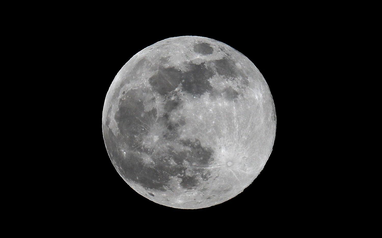 الهند ترسل مركبة جديدة إلى القمر العام القادم