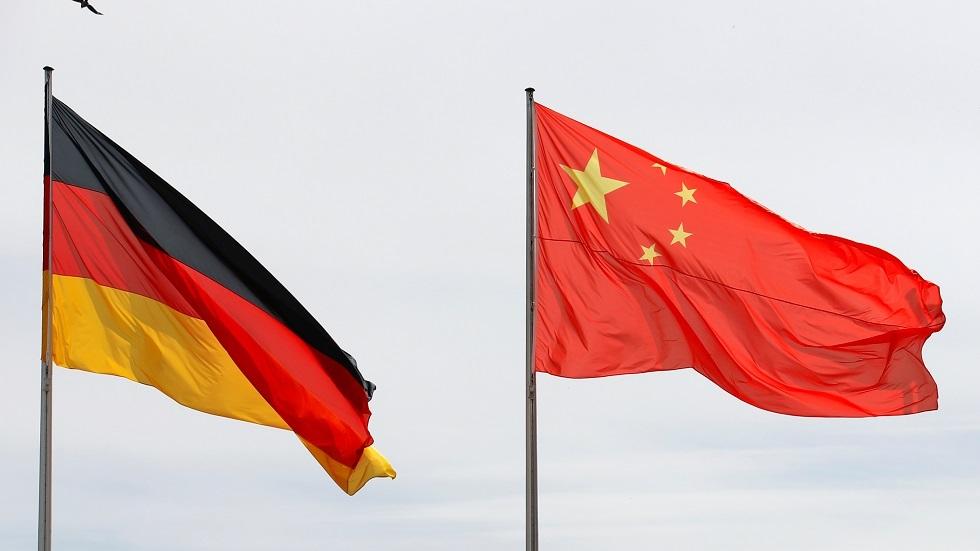 العلمان الصيني والألماني