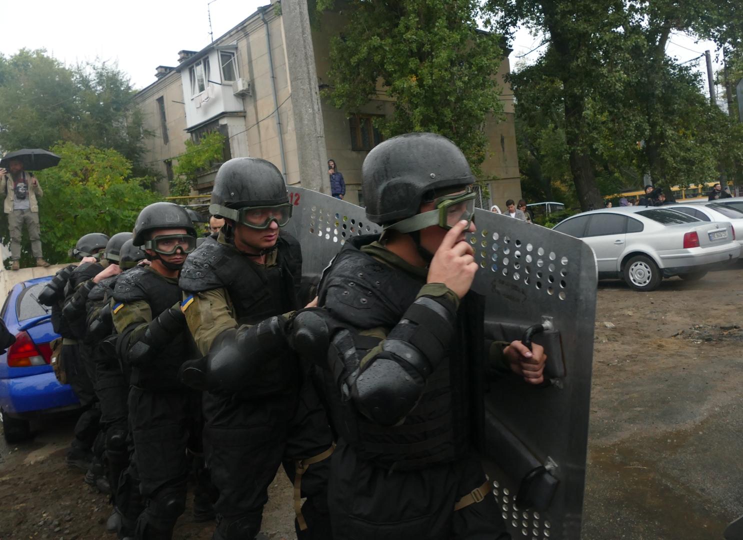 عناصر من قوات مكافحة الإرهاب في جهاز الأمن الأوكراني (أرشيف)