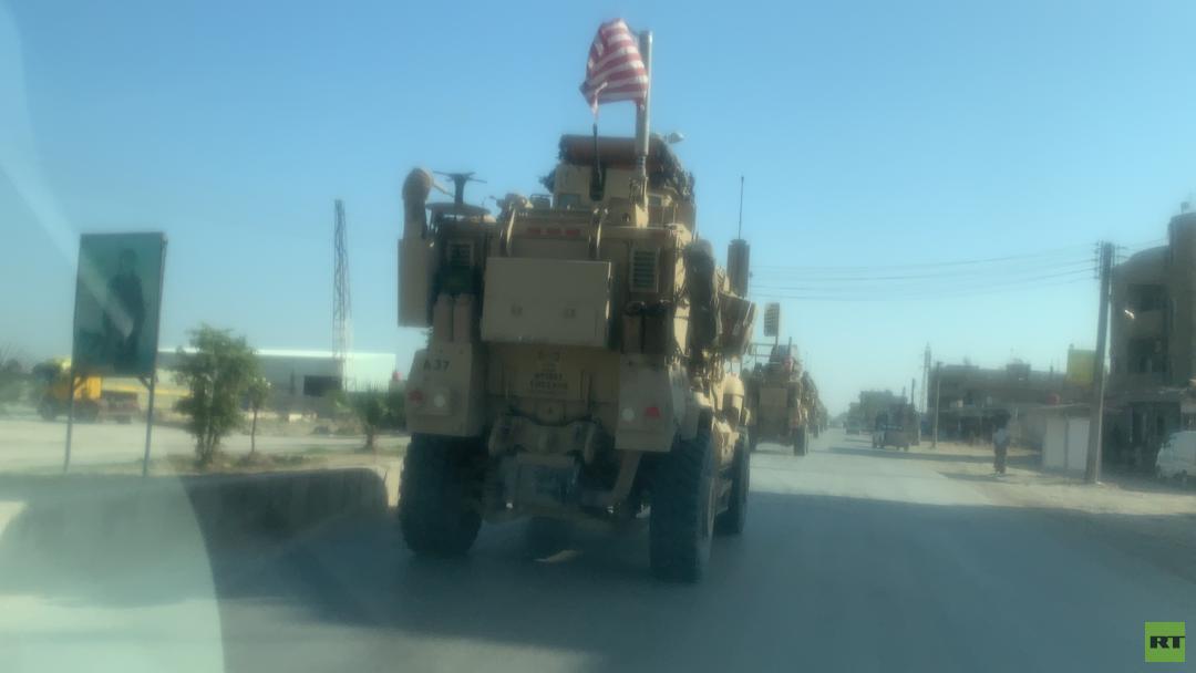 مراسلنا: قافلة للجيش الأمريكي تدخل القامشلي وتتجه شرقا للقيام بدورية (صور+فيديو)