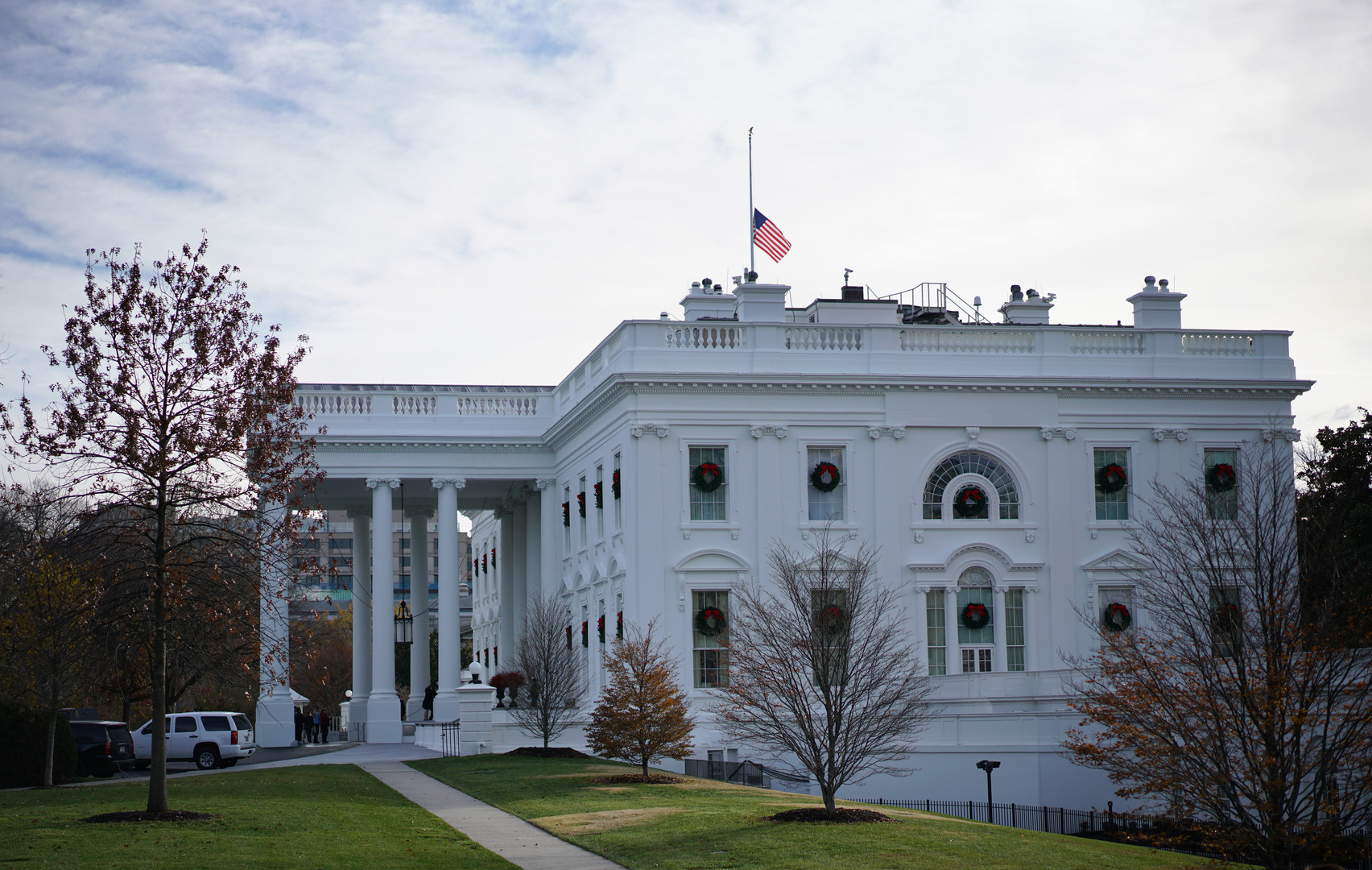 البيت الأبيض يجدد