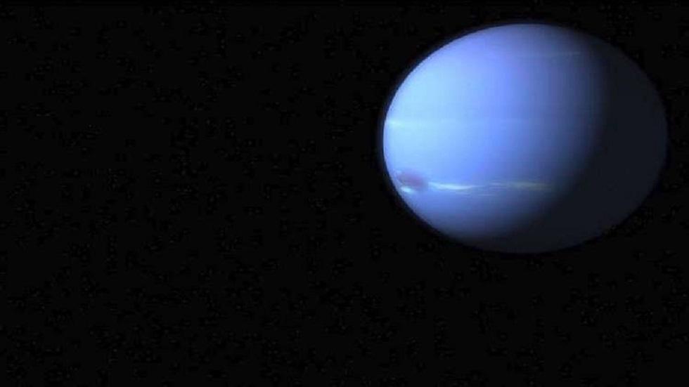 اكتشاف لا مثيل له في الكون .. أقمار العملاق الأزرق