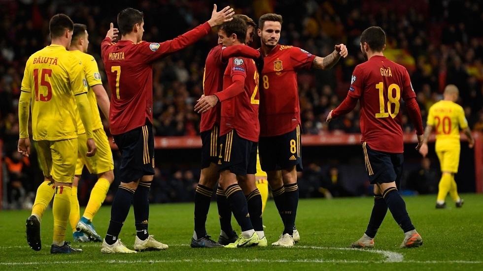 إسبانيا تقسو على رومانيا بخماسية في ختام مشوار تصفيات