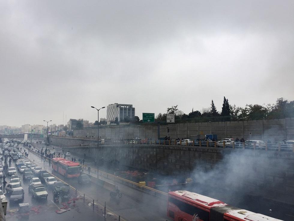 إيران: هل تنزل الطبقة الوسطى إلى الشارع فتحسم أمر النظام؟