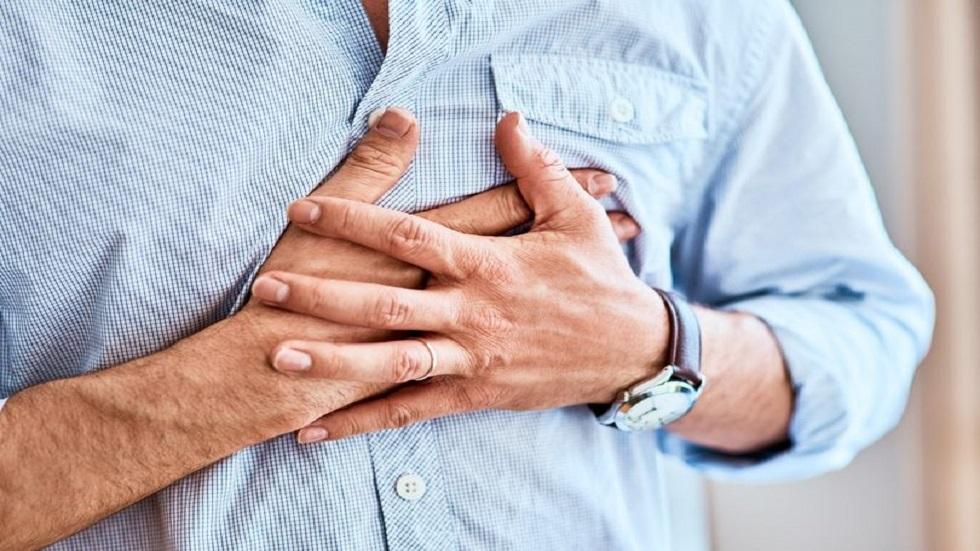 8 أعراض للنوبة القلبية قبل شهر من حدوثها!