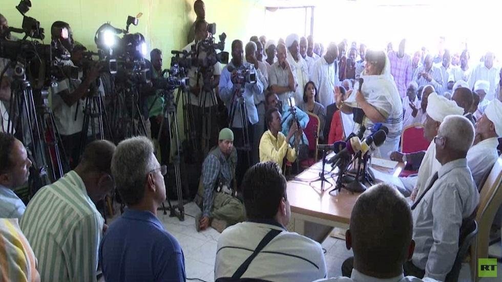 المؤتمر الشعبي يندد باعتقال علي الحاج