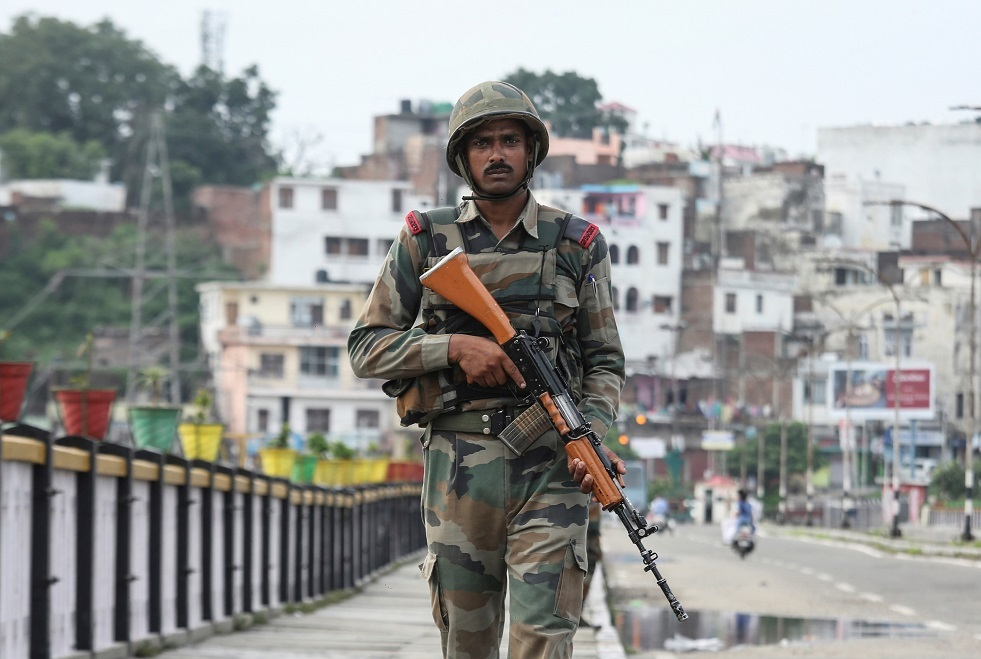 مقتل ثلاثة من الشرطة الهندية بهجوم مسلح
