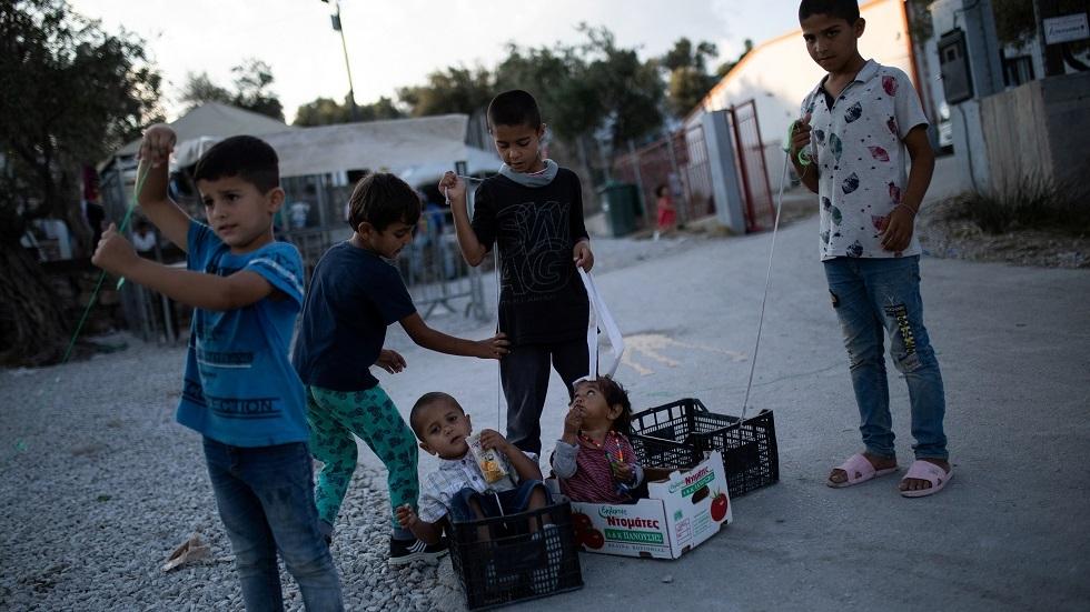 أطفال في أحد مخيمات اللجوء في جزر بحر إيجة