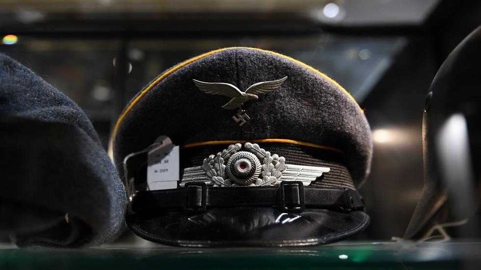 قبعة نازية ضمن مقتنيات الزعيم النازي الراحل أدولف هتلر
