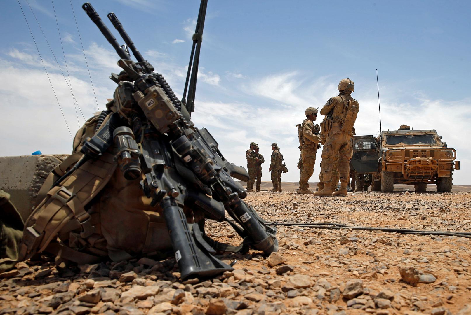 جنود أمريكيون أثناء تدريب عسكري على الحدود بين الأردن والسعودية