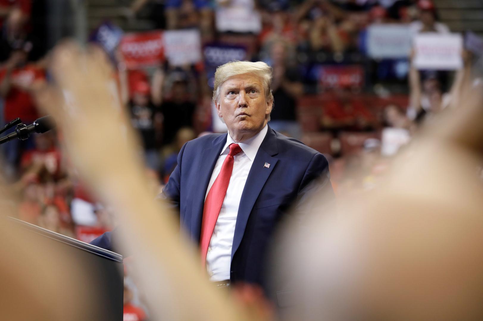 الديمقراطيون عند مفترق طرق: عزل ترامب باهظ الثمن