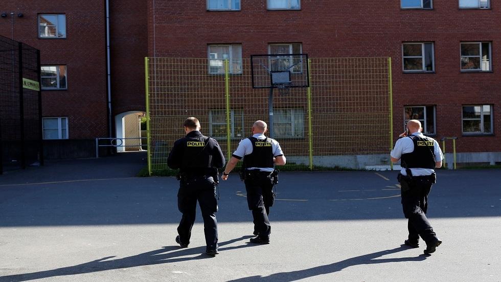 القضاء الدنماركي يدين 3 أشخاص بتهمة تزويد