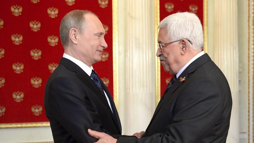 استقبال الرئيس فلاديمير بوتين للرئيس الفلسطيني محمود عباس قبيل حضورهما لمراسم الاحتفال بذكرى النصر على النازية بموسكو يوم 9 مايو 2015