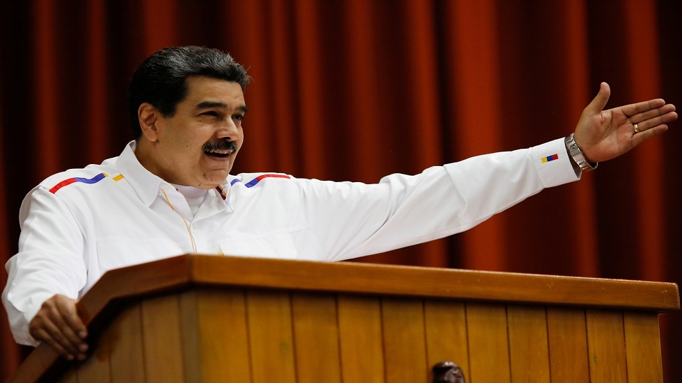 الرئيس الفنزويلي يأمر الجيش بالتعبئة العامة