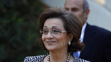 الكشف عن سبب دخول سوزان مبارك العناية المركزة.. والأطباء يمنعون عنها الزيارة