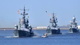 روسيا تعدل عددا من سفنها الصاروخية