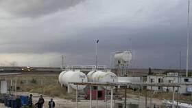 لافروف: يجب أن يسيطر الجيش السوري على كامل البلاد بما فيها حقول النفط التي يحتلها الأمريكيون