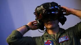 """الجيش الأميركي يجد حلاً لمشكلة خوذة مقاتلة """"أف-35"""" 5dce8d8d4c59b767ae19ca1e"""