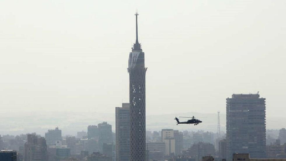 بالصور.. طالب مصري ينتحر بإلقاء نفسه من أعلى برج القاهرة