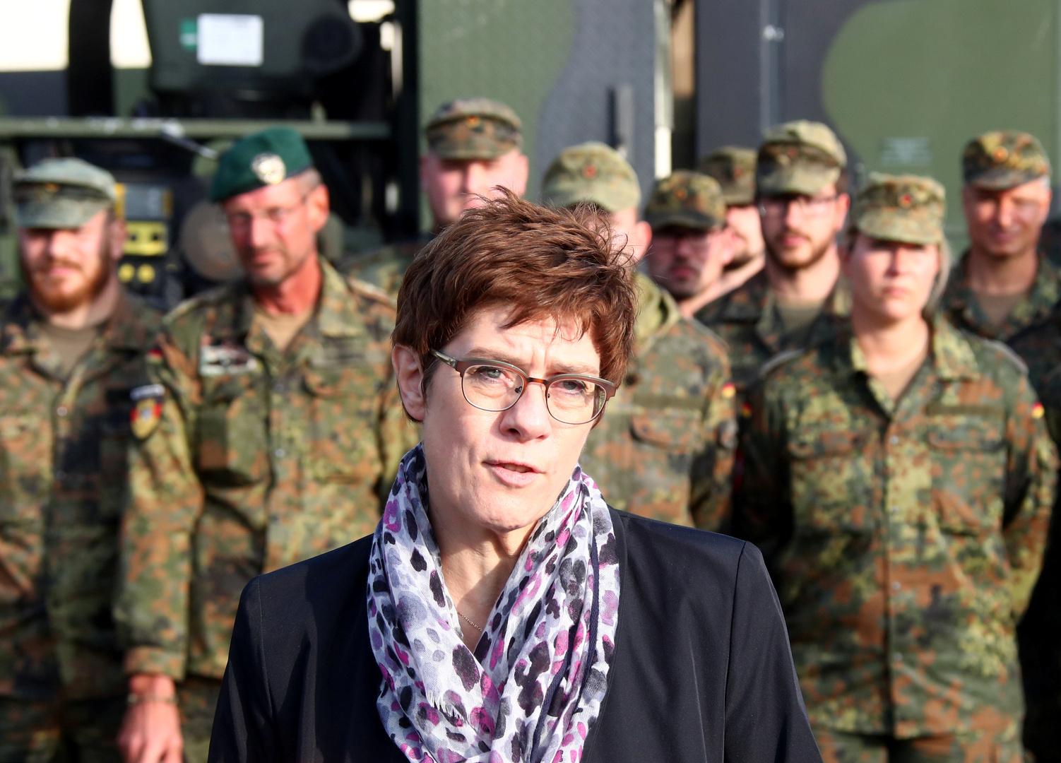 وزيرة الدفاع الألمانية أنيغريت كرامب كرانباور