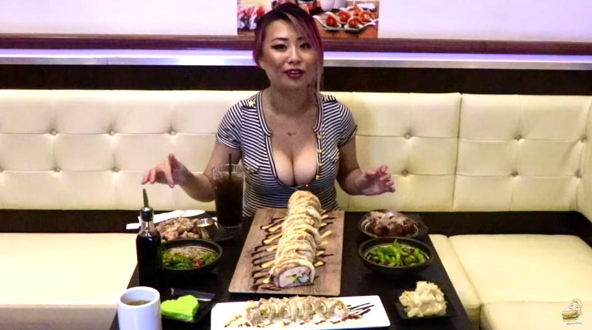 في تحد جديد لها.. ريانا هوانغ تأكل أكثر من 3,5 كيلوغرام سوشي