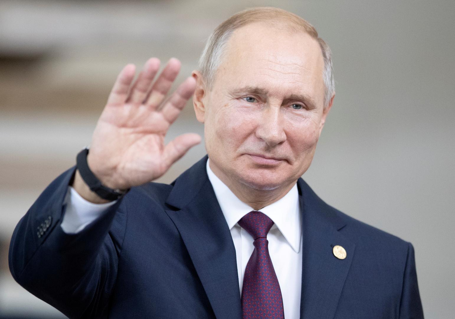 بوتين يوقع قانون موازنة روسيا لعام 2020 وفترة التخطيط لعامي 2021-2022